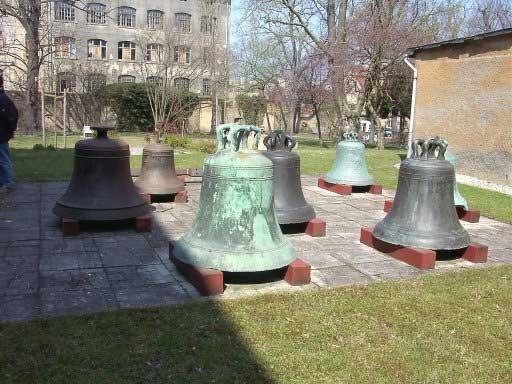 Большие колокола в музее Апольда