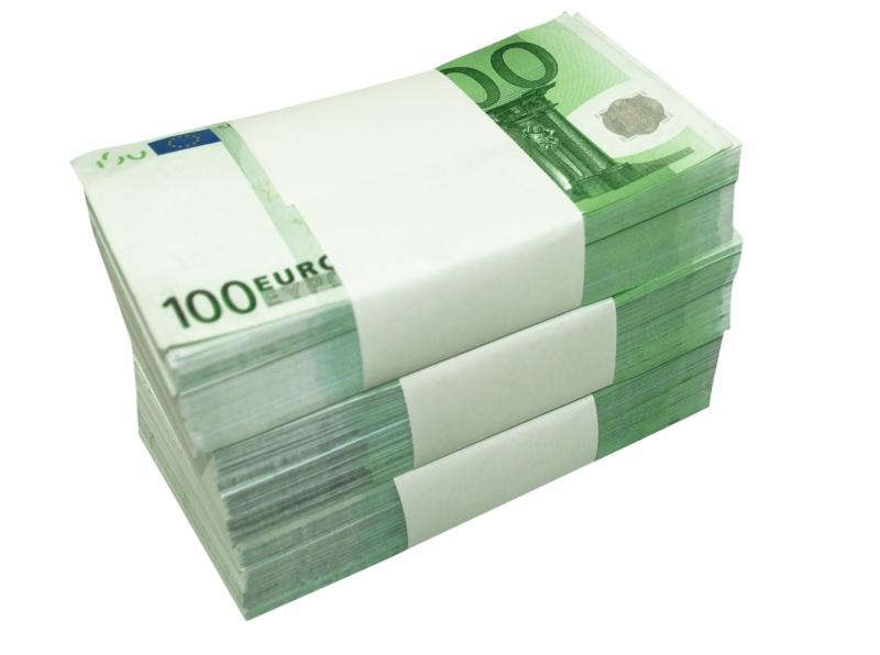 пачка денег
