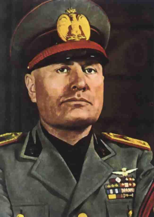 портрет Бенито Муссолини