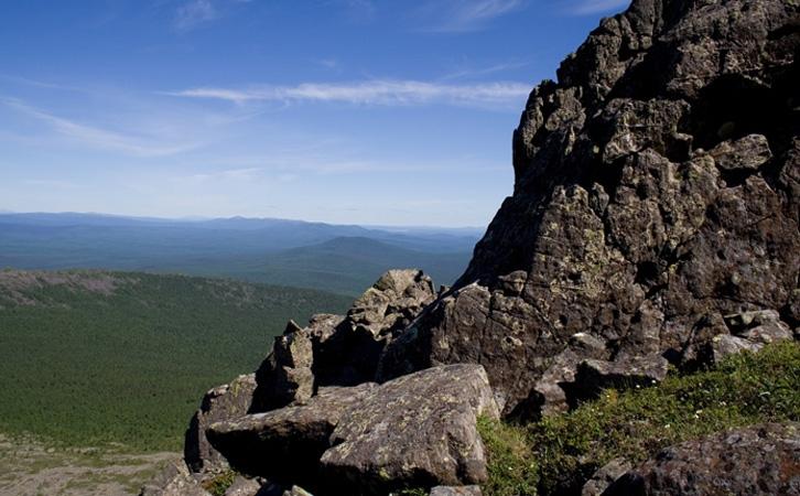 Денежкин камень скалы