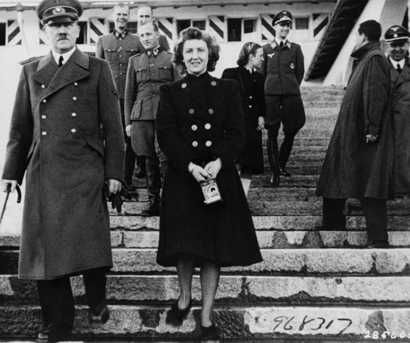 Ева Браун и Адольф Гитлер