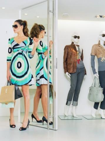 зеркала в магазинах одежды