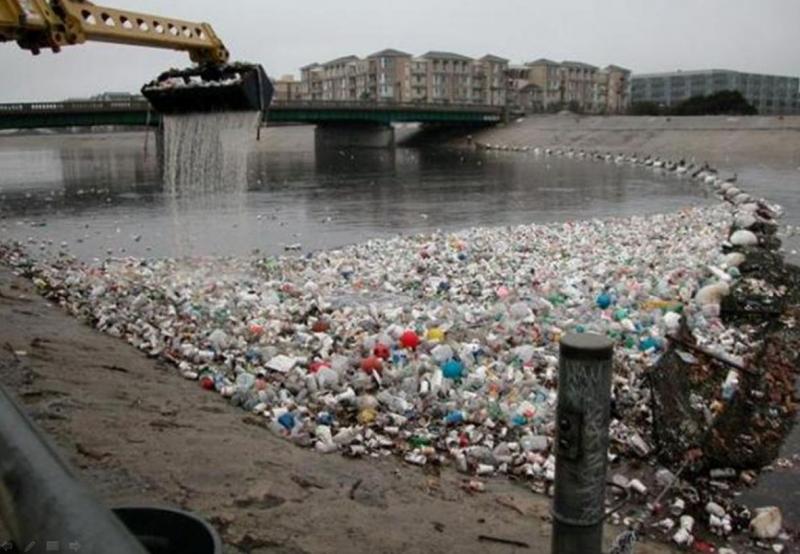 мусор в заливе
