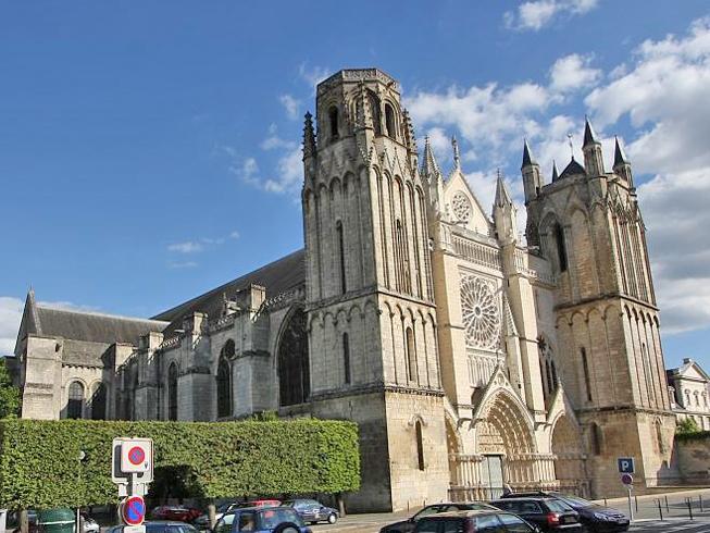 собор Святого Петра - Франция