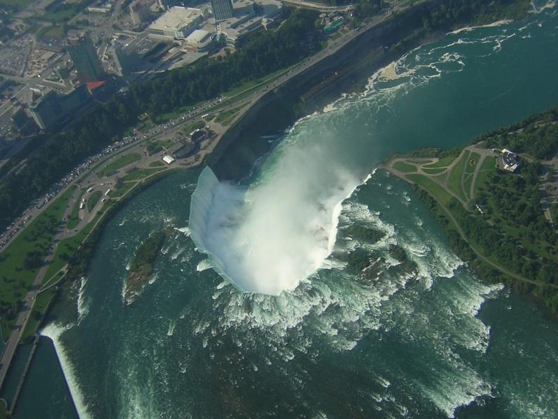 Ниагарский водопад с высоты птичьего полета